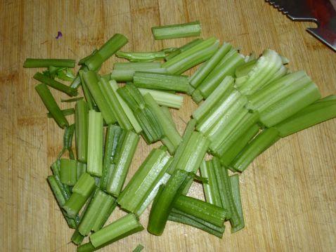 豆腐炒芹菜的做法大全