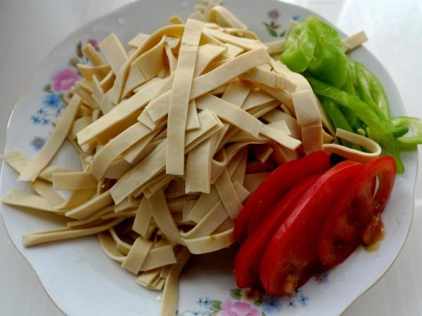 青椒豆皮炒里脊的做法大全
