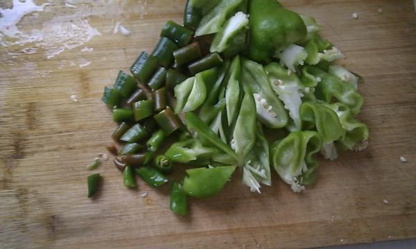 五花肉炒菜花的简单做法