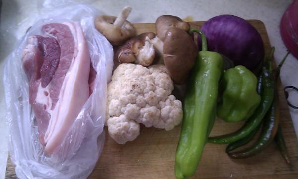 五花肉炒菜花的做法大全