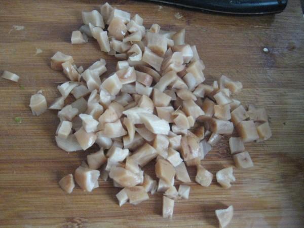 萝卜干烧毛豆的简单做法