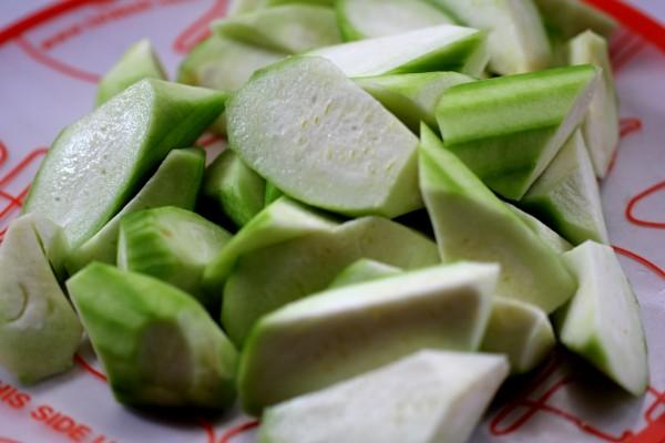 丝瓜紫菜白玉汤的家常做法