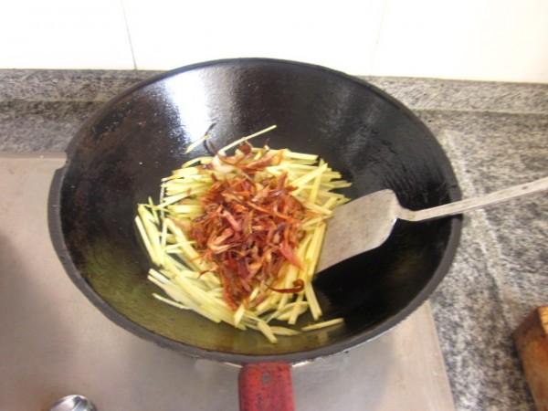兔肉丝炒土豆的简单做法