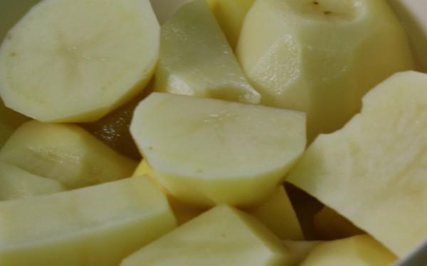 糖醋排骨煨土豆的做法图解