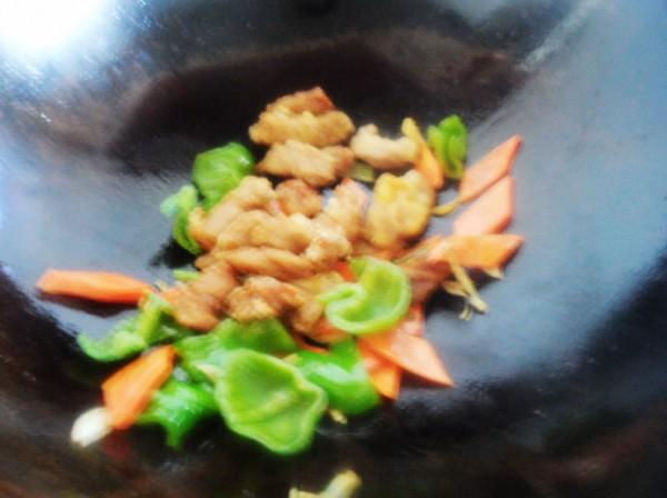 彩蔬肉段怎么炒