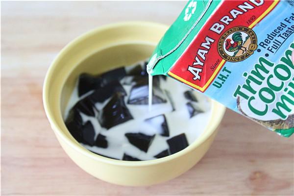 椰浆蜜豆龟苓膏的简单做法