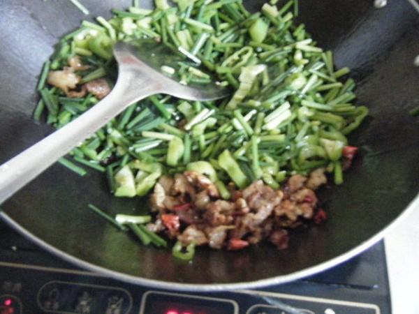 炒韭菜苔的家常做法