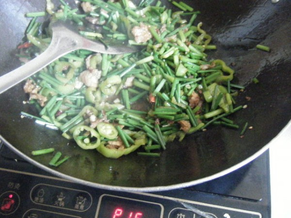 炒韭菜苔的简单做法