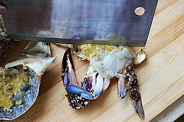 干锅香芹麻辣蟹的简单做法