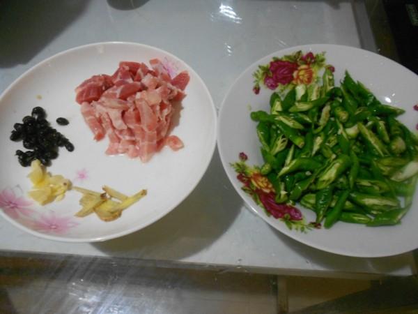 五花肉炒辣椒的做法大全
