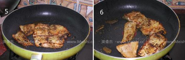迷迭香煎龙利鱼的家常做法