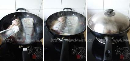 酸菜海鲈鱼的家常做法