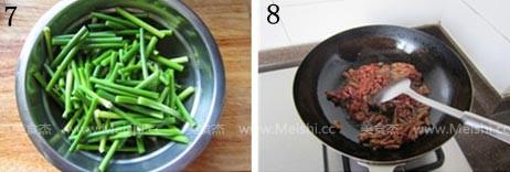 牛肉炒蒜苔的简单做法