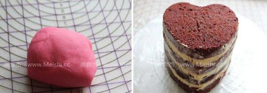 红丝绒蛋糕怎么吃