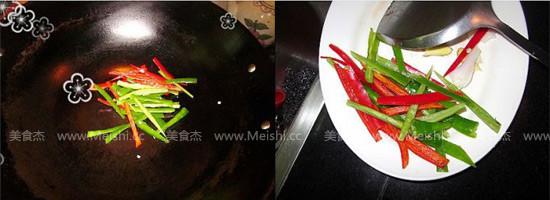 尖椒炒肉丝的家常做法