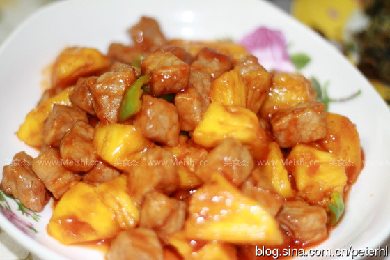 菠萝咕噜肉怎么吃