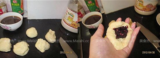 桑葚果酱小面包的简单做法