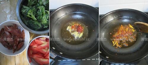 西兰花胡萝卜炒香肠的做法大全