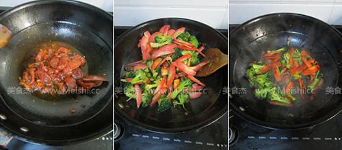 西兰花胡萝卜炒香肠的做法图解
